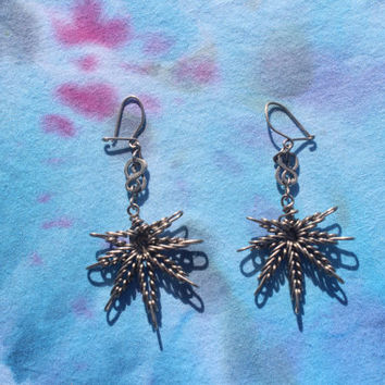La Feria Hippie Pot Leaf Earrings