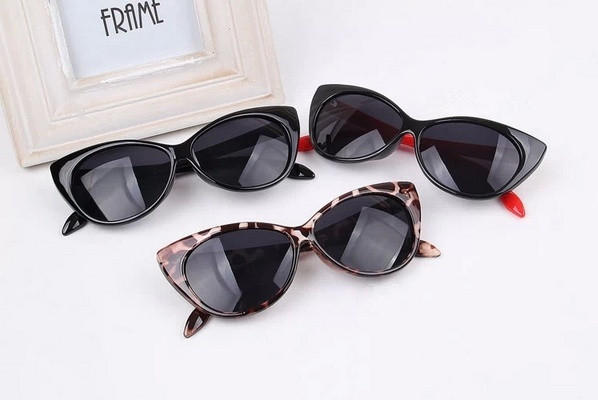 971379553a Ladies Cat Eye Retro Vintage 50s 60s Style Rockabilly Sunglasses Eye Glasses    1652911