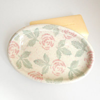 Soap dish - Jewelry tray - Pink roses and green leaves oval dish - Made in Italy - Vintage soap dish (Ready to ship)