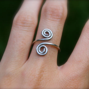 Silver swirl ring, Wire wrap cute simple ring