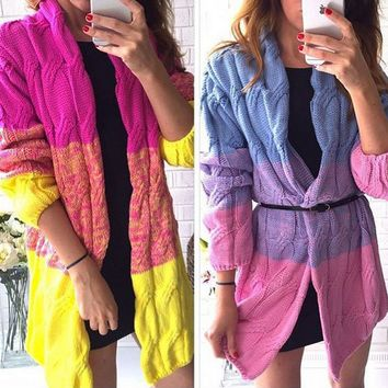 The gradient hit color long paragraph sweater cardigan twist