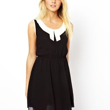 Yumi Dress with Contrast Collar