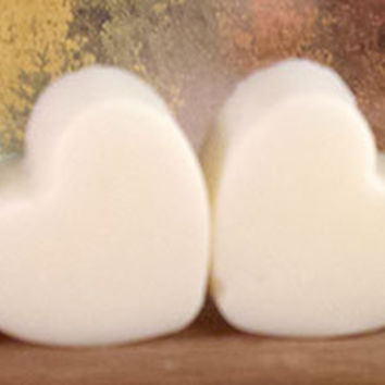 Heart Shaped Soy Wax Melts, Valentine Day Gift in reusable Muslin Bag, Soy Wax Tarts, Lovespell or Black Raspberry