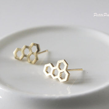 Honey Comb Earrings in Gold. Bee Post Earrings Earrings. Honey Comb Earrings Studs. Nature. Everyday Wear. Cute. Gift For Her  (PPER- 74)