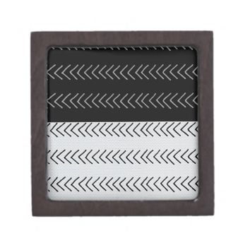 black and white magnetic gift box