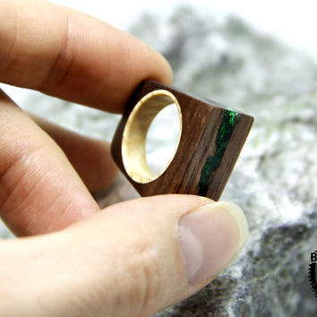 Mans wood ring American walnut Malachite ring Wood band Wood ring Mens jewelry Womens fashion Husband gift Anniversary gift For her For him