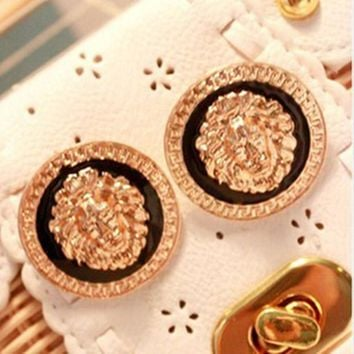 E106 Hot Selling Black Enamel Lion Head Coin Big Earrings Vintage Bohemian Stud Earring for Women Fashion Jewelry