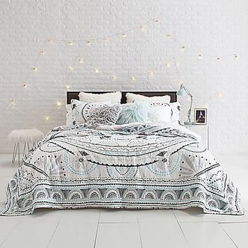Sophie Medallion Quilt Set