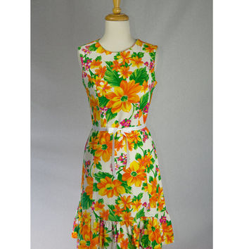 Vintage 60's Hawaiian Shift Dress Sassy Ruffled Hem + Matching Lei