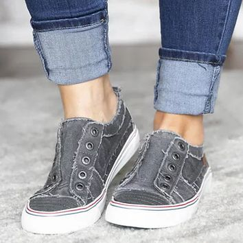 Fashion new flat casual denim canvas two-color stitching free sports single shoes Gray