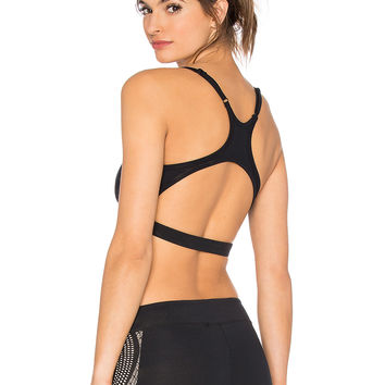 SOLOW X-Back Sports Bra in Black