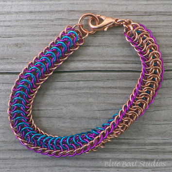 Colorful two-sided chainmaille bracelet in copper, blue and violet; chain mail bracelet; chainmaille jewelry; copper chainmaille bracelet