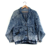 STOREWIDE SALE... Vintage slouchy 1980s acid wash jean jacket / coat size women's M