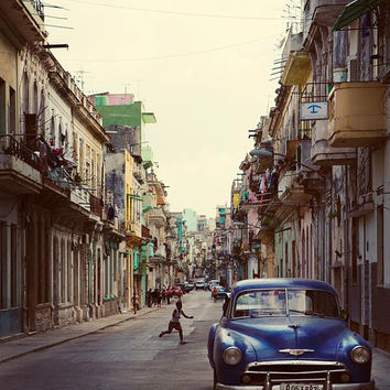 Cuba Photography, Central Havana Cuba, Street Photography, Vintage Car, Cuba Art Print, Travel Photography, Cuba Wall Art - La Habana