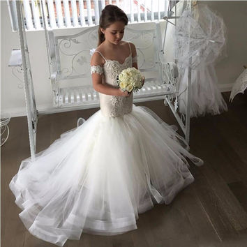 Hot 2017 New Arrival Mermaid Flower Girls Dresses for Weddings Spaghetti Lace Tulle Applique Ruffles Little Girls Pageant Dress