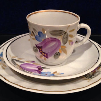 Russian Tulip Tea cup, Saucer and Plate Set Porcelain Complete Tea Set- Vintage Handpainted with Gold Leafing