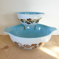 Vintage Pyrex Golden Grapes and Delphite Blue Chip and Dip Set With Bracket