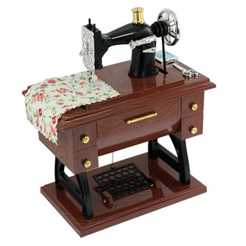Como Wind Up Vintage Mini Sewing Machine Style Mechanical Music Box