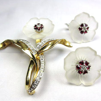 Ciner Poured Glass Ruby Red Rhinestone Brooch w Earrings 1950s Vintage Jewelry Winter Fashion