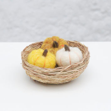 Needle Felted Pumpkin Miniature, Halloween pumpkin decoration, harvest decoration, miniature vegetables, woodland decor, felt vegetables