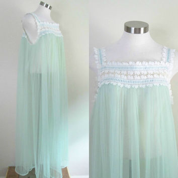 Vintage Barbizon Sheer Negligee Nightgown Mint Green Pleated Daisy Applique Lace Bodice Large Size