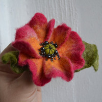 Wool Felt Flower Hot Pink and Moss Green Leaves Statement Corsage Brooch, Poppy Design, Christmas gift idea fro her, Poppy pin