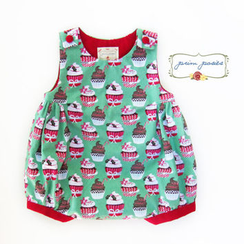Christmas Outfit, Christmas Romper, Newborn Outfit, Holiday Baby Clothes, Christmas Clothes, Baby Romper, Christmas Baby, Size 0-3 mos