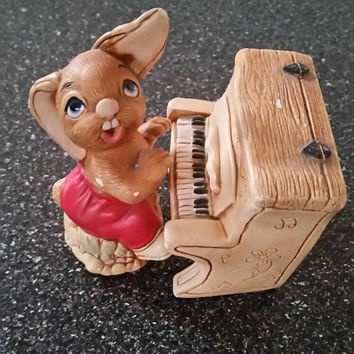 """Vintage PenDelfin """"The Thumper"""" with piano. PenDelfin Art Collections. Made in England."""