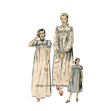 1950s NIGHTGOWN PATTERN Pajamas Nightshirt Pattern Peter Pan Collar Lace Ruffle Trim Advance 6258 Bust 32 Vintage Womens Sewing Patterns 50s