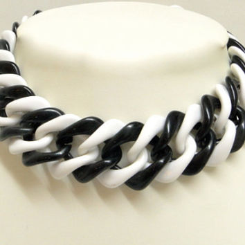 Black and White Link Statement Necklace. Vintage.