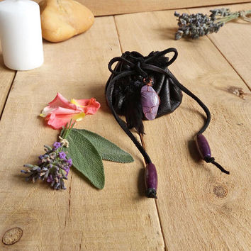 Amethyst crystal pouch with herbs / Drawstring leather coin purse / Herbs / Crystal / Amulet bag /  / Upcycled leather / Nature / Wicca