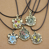 Popular Hot Film 5 style  Vintage Harry Potter Hogwarts School Crest Pendant Necklace 1pcs free shipping