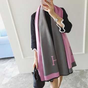 ONETOW Fashion Women H Shawl Prorsum Cashmere Wool Scarf Monogramed Prorsum Cape Winter Scarves Letter Wraps Poncho bufanda manta