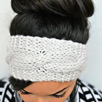 Off white knitted earwarmer head band
