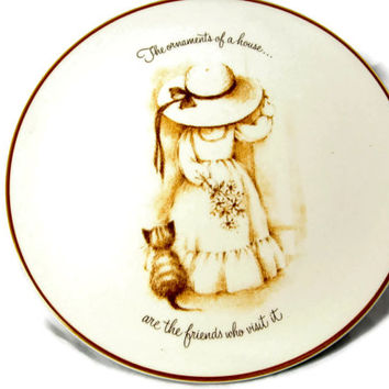 Taylor Smith Taylor Plate Friends Little Girl Big Hat Decorative USA