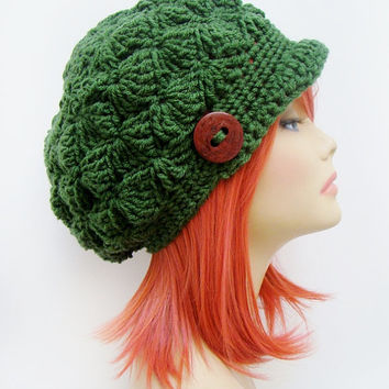 FREE SHIPPING - Crochet Shell Slouchy Brim Hat - Dark Forest Green with Brown button