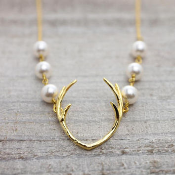 Triple twin pearl deer antler gold necklace