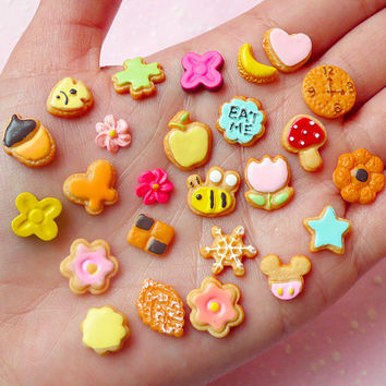 Super Kawaii Miniature Sugar Cookie Cabochon (25pcs) Dollhouse Sweets Cabochon Mini Biscuit Decoden Kitsch Jewelry Earrings Making FCAB198