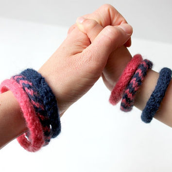 Mother Daughter Set Felted Bracelets, Pink Navy Chevrons, Mothers Day Gift, Mommy and Me Jewelry, Knitted Bracelets, Mom Daughter Jewelry
