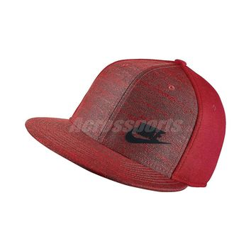 Nike Tech Pack True Men and Women Red Adjustable Baseball Cap Hat 803718-657