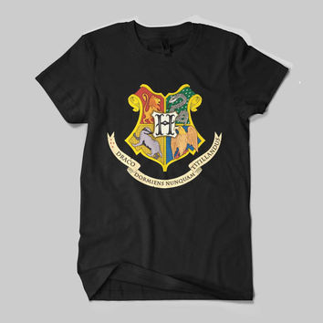 LIMITED Harry Potter Hogwarts School of Magic Gryffindor Logo Shirt Black and White Shirt Men or Women Shirt Unisex Size - NZR