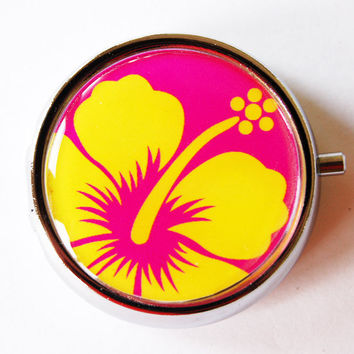 Flower Pill Box, Pill Case, Pill Container, Floral, Gift for her, gift for mom, Candy container, mint case, floral, Hisbiscus, Hawaii