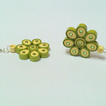 Paper Earring - Quilled earring - Apricot and olive Green