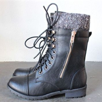 VONL8T the laced up combat sweater boots - black