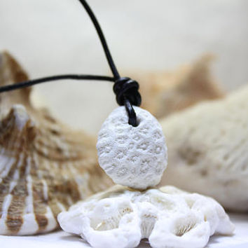 Unisex Caribbean Natural White Coral Fossils and Leather Pendant Necklace choker rustic bohemian natural sun bleached beach stone men gift