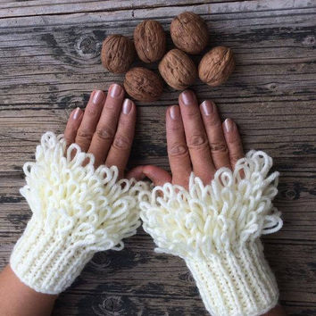 Ivory Wrist Warmers, Bridal Cozy Cuff, Fluffy Warmers, Girlfriend Gift, Unique Women Gloves, Wedding Handwarmers, Knit Mitts, Black Friday