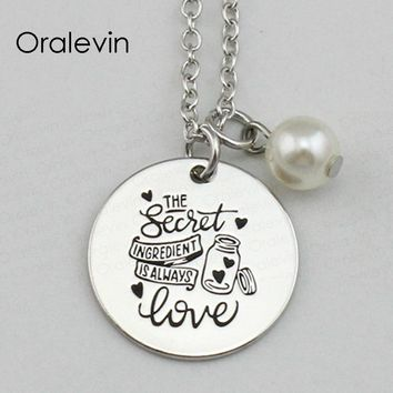 THE SECRET INGREDIENT IS ALWAYS LOVE Inspirational Hand Stamped Engraved Custom Pendant Necklace Jewelry,10Pcs/Lot, #LN2177