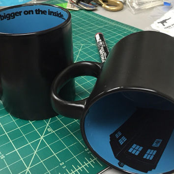 Dr Who TARDIS it's bigger on the inside time lord mug doctor who12 oz stoneware