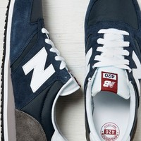 AEO Men's New Balance 420 Running Sneaker (Navy)