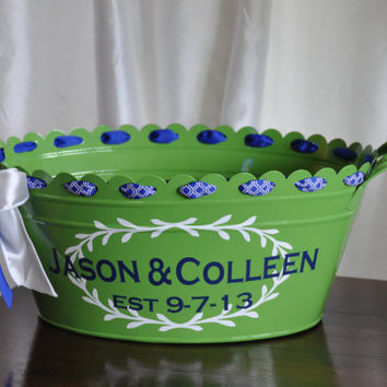Beverage Tub/ Drink Tub/ Personalized/ Beverage Bucket/ Assorted Colors/ Wedding Bucket/ Green
